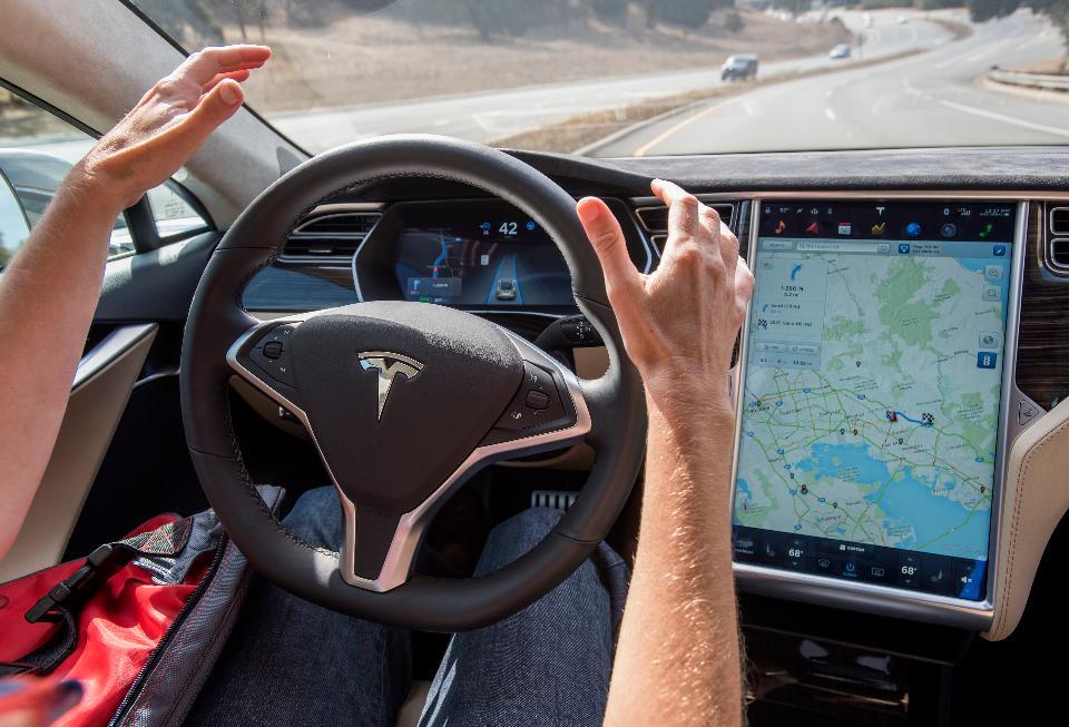 Tesla's autopilot avoids crash before it occurs